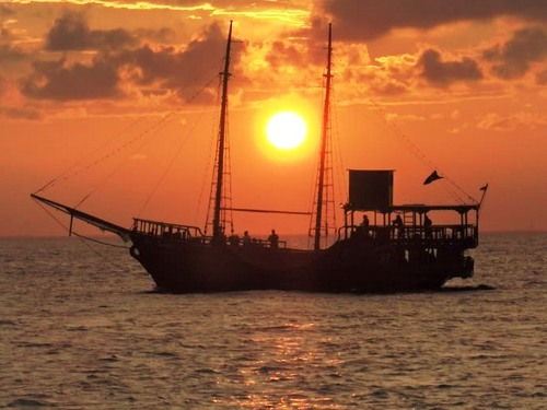 Cozumel Island lobster dinner cruise Tour Booking