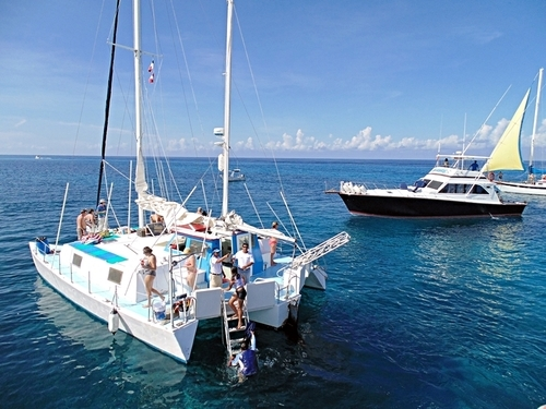 Fe Catamaran excursions in Cozumel