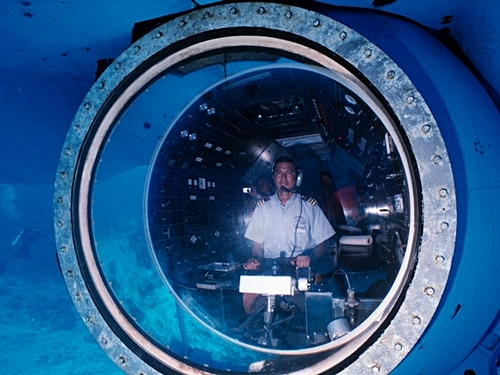 Tours in real submarine in Cozumel Mexico